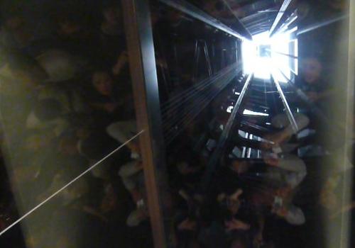 61不思議写真 天望回廊行エレベーター*100P1030689.jpg