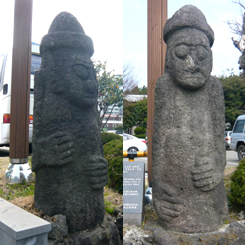 71済州民俗自然史博物館トルハルバン本物2体*70.jpg