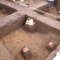 竪穴住居とゴミ置場*70.jpg