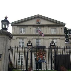 P1060170英国大使館 70 8.9x.JPG